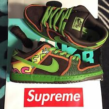 "NIKE SB ""DE LA SOUL"" DUNK LOW SUPREME (SIZE 9) (SAFARI/ALTITUDE) 789841-332"