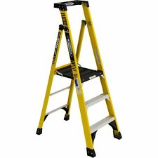NEW WERNER - PD7303 - FIBERGLASS PODIUM LADDER ( TYPE IAA RATING )