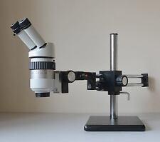 Wild (Leica) m7a microscopio con Coppia di oculari 10x/21 sul braccio doppio Boom stand