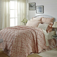 GENEVIEVE 5 PC QUEEN BEDDING SET ~1 QUILT ~2 SHAMS ~1 ACCENT PILLOW ~1 BED SKIRT