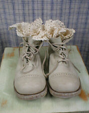 Authentic Magnolia Pearl Bojangles Boots in Chalk Leather Size 38 NWOT