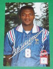 FOOTBALL CPA COCA COLA 1996-1997 FRANCE BLEUS DEDICACE MARCEL DESAILLY