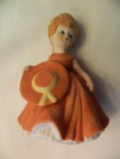 CUTE VINTAGE JAPAN LADY CERAMIC FIGURINE - EUC