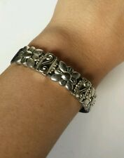 Women's Leather and Metal Fashion Bracelet with Flowers
