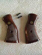Harrington and Richardson H&R Grips Wood Pistol Factory .38 .357 H & R