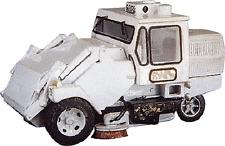 HO 1/87 Custom Finishing # 7092  3-wheel Street Sweeper Kit
