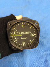 Beechcraft Vertical Speed Indicator P/N 169-380017 (0116-04)