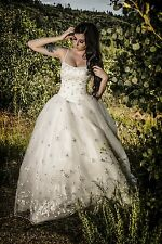 Mori Lee Bridal 3304 white/silver Princess style ball gown wedding dress Size 4
