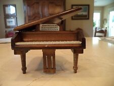 Town Square Minatures Grand Piano Mahogany 1:12 Scale Doll Furniture Working Lid