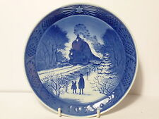 VINTAGE ROYAL COPENHAGEN 1973 CHRISTMAS PLATE WITH STEAM TRAIN IMAGE