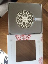 WEDGWOOD XMAS SILVER FILLIGREE SNOWFLAKE CHRISTMAS DECORATION MINT AND BOXED