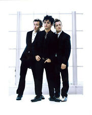Green Day UNSIGNED photo - H2651 - Billie Joe Armstrong, Mike Dirnt & Tré Cool