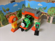 LEGO DUPLO THOMAS  - PERCY AT THE SHEDS 5543