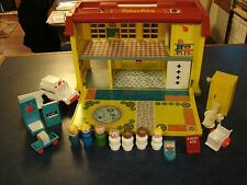 Vintage Fisher Price Little People PLAY CHILDREN'S FAMILY HOSPITAL #931