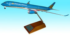 1/200 Vietnam Airlines A350-900 New Color  with Wood display stand