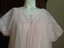 Beautiful Peignoir Set By Formfit Rogers Soft Pink Lots Of Pretty Lace Size M