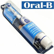 BRAUN ORAL B ADVANCE POWER TOOTHBRUSH - BATTERIES INCLUDED