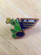 NHL St. Louis Blues Hockey Pin Muppets Logo Kermit The Frog