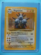 MAGNETON 4, 9/102 Base Set RARE HOLO SHINY P2 Pokemon Trading Card