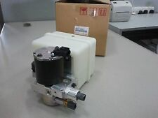 TOYOTA LAND CRUISER GENUINE HEIGHT CONTROL PUMP & MOTOR 48910-60012