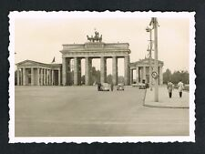 BERLIN, Foto vintage Photo, Brandenburger Tor Auto VW Käfer KdF beetle /109
