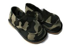 MOOSHU Trainers Squeaker Shoes CAN NEW Camoflage Sz 8 Slip On