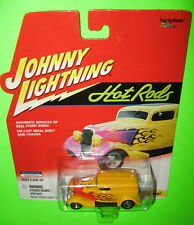 Johnny Lightning Hot Rods 1933 Delivery #442-03 Ford Street Rod 2001 Yellow MOC