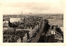 Hafenstrasse mit Kathedrale Nantes Frankreich