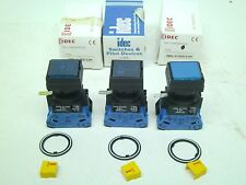 3! IDEC Corp. HW2L-A110QD-S-24V Square Push Button Horn Sound Switch Blue LED RC