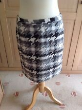 GREAT ANN TAYLOR GREY PATTERNED SKIRT UK SIZE 10 WORN GOOD CONDITION