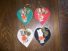 alter Weihnachtsschmuck aus Filz 4 Anhänger Oblate Weihnachtsmann je 13x12cm
