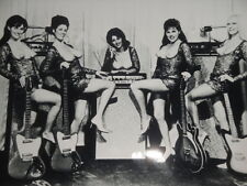 THE LADYBIRDS TOPLESS GIRL BAND DANELECTRO / CORAL GUITARS LAS VEGAS LOS ANGELES