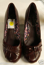 NWOB UNLISTED HEAR ME OUT STYLE BURGUNDY SIZE 8 TAGS IN SHOE. STACKED LOOK HEEL