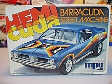 "MPC PLYMOUTH ""HEMI CUDA"" BARRACUDA STREET MACHINE #1-0807 AMT 1/25 UNBUILT KIT"