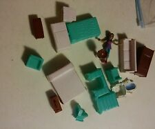 039 Lot of Doll House Furniture Vintage Beds TV Fridge Toilet Dresser 17 Pieces