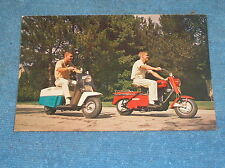1960 CUSHMAN SCOOTER ADVERTISING POSTCARD SUPER EAGLE ROAD KING VINTAGE DEALER