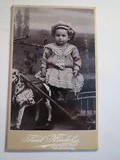Burgstädt - kleines Kind mit Spielzeug-Pferd / CDV