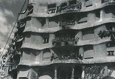 BARCELONE c. 1935 - Immeuble La Pedrera  Espagne - Div 6422