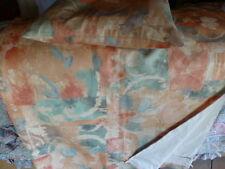 grand pan de rideau  doublé +coussin 2,27x1,34