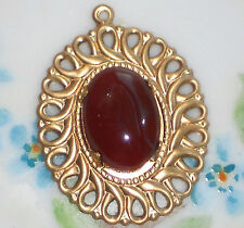 #659C Vintage Pendant Filigree Stone Glass Oval Lace Victorian NOS Red
