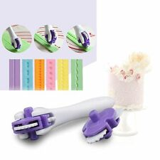 DIY Kitchen Accessories Plastic Cake Molds Baking Tool Cutting Edge Knife