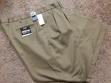 NWT Men Dockers Signature Khaki D4 Relaxed Fit Pleated Pants 44X32 $58