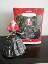 HALLMARK KEEPSAKE ORNAMENT HOLIDAY BARBIE 1998 – BLACK BALL GOWN