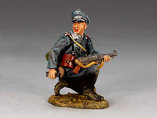 King & Country - World War II Luftwaffe Field Division Kneeling Officer LW021