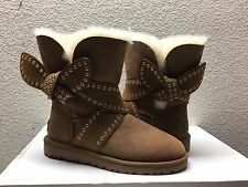 UGG MABEL CHESTNUT CLASSIC BAILEY BOW SHORT BOOT USA 8 / EU 39 / UK 6.5 - NEW