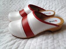 Women's Wooden Sole White Leather Clogs Red Stripe Slip Resistant Size 6.5
