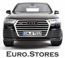 AUDI Q7 2015 Orca Black Model Car 1:18 5011407625 Genuine New