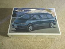 Toyota Estima Lucida '95 1995 4WD Twin Moon Roof 1:24 Model Kit MISB Sealed