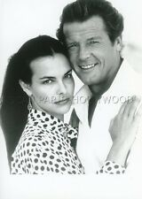 CAROLE BOUQUET ROGER MOORE FOR YOUR EYES ONLY JAMES BOND 007 1987 VINTAGE PHOTO