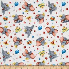 DISNEY DUMBO Tessuto Fat Quarter Cotton Craft Quilting CIRCUS con licenza-Kids